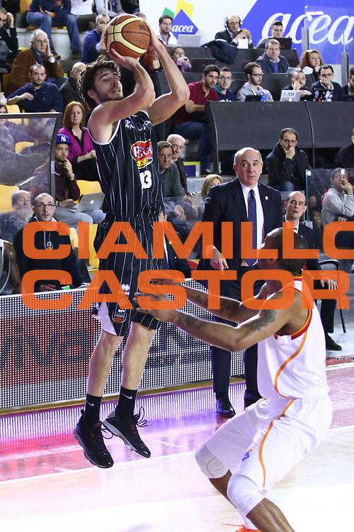 DESCRIZIONE : Roma Lega A 2013-2014 Acea Roma Pasta Reggia Caserta<br /> GIOCATORE : Michele Vitali<br /> CATEGORIA : tiro<br /> SQUADRA : Pasta Reggia Caserta<br /> EVENTO : Campionato Lega A 2013-2014<br /> GARA : Acea Roma Pasta Reggia Caserta<br /> DATA : 23/02/2014<br /> SPORT : Pallacanestro <br /> AUTORE : Agenzia Ciamillo-Castoria/M.Simoni<br /> Galleria : Lega Basket A 2013-2014  <br /> Fotonotizia : Roma Lega A 2013-2014 Acea Roma Pasta Reggia Caserta<br /> Predefinita :