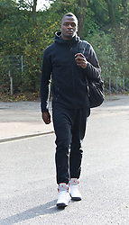 27.10.2014, Trainingscenter, Bremen, GER, 1. FBL, SV Werder Bremen, Training, im Bild Assani Lukimya (SV Werder Bremen #5) auf dem Weg vom Parkplatz zur Kabine // during a Trainingssession of German Bundesliga Club SV Werder Bremen at the Trainingscenter in Bremen, Germany on 2014/10/27. EXPA Pictures © 2014, PhotoCredit: EXPA/ Andreas Gumz<br /> <br /> *****ATTENTION - OUT of GER*****