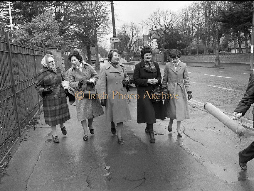 Farmers Wives and Daughters at British Embassy.1982.04.03.1982 .03.04.1982.4th March 1982.A photograph of the delegation of wives and daughters from the South Tipperary Farm Family Committee arrive at the British Embassy. They are lobbying support from E.E.C. member states for IFA demands for better prices for Irish farm products. They were met by the British Ambassador, Sir Leonard Figg..From left, Eleanor Dwyer, Ballytarsna, Cashel group leader..Marie Mc Cann Ballyowen, Cashel.Pearl Holt, Carbery, Kildare.Eileen Barry, Clonulty, Cashel.Bridget Devane, Clonulty, Cashel