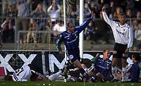 Bærum 21042003 Eliteserien i fotball Stabæk - Odd. Tryggvi Gudmundsson jubler etter 2-1 målet mot Odd. Oddspillerne fortviler<br /> <br /> Foto: Andreas Fadum, Digitalsport