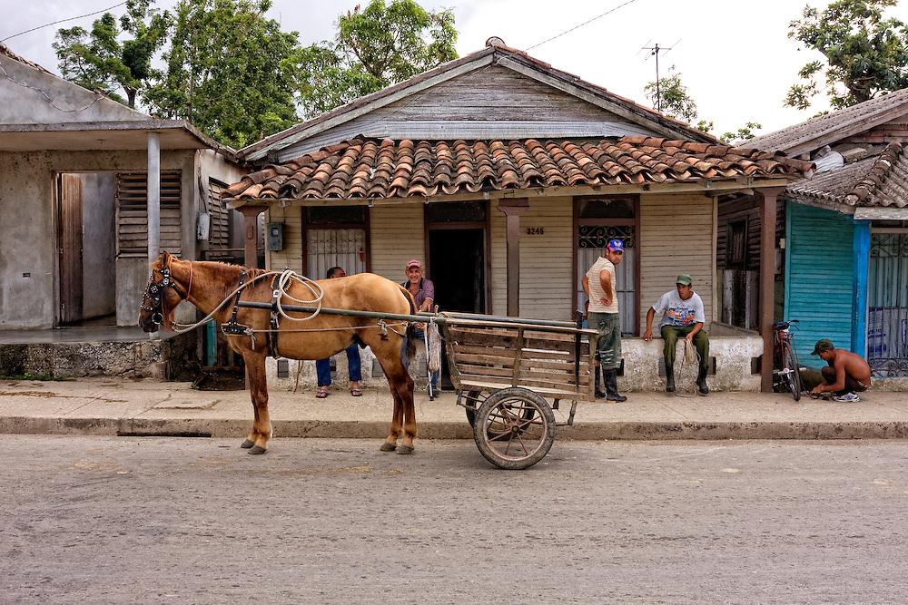 Horse and cart in Bahia Honda, Artemisa, Cuba. | Robin ...