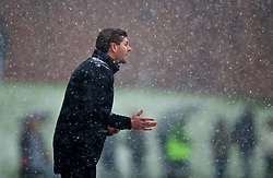 MANCHESTER, ENGLAND - Saturday, December 9, 2017: Liverpool's Under-18 manager Steven Gerrard in the snow during an Under-18 FA Premier League match between Manchester United and Liverpool FC at the Cliff Training Ground. (Pic by David Rawcliffe/Propaganda)