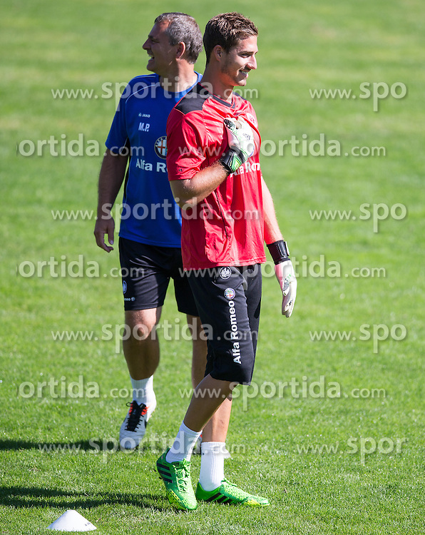17.07.2013, Sportzentrum, Laengenfeld, AUT, Eintracht Frankfurt Trainingslager, im Bild Armin Veh (Trainer), Kevin Trapp (Torwart) // during the Trainings Camp of German Bundesliga Club Eintracht Frankfurt at the Sportzentrum, Laengenfeld, Austria on 2013/07/17. EXPA Pictures © 2013, PhotoCredit: EXPA/ Johann Groder