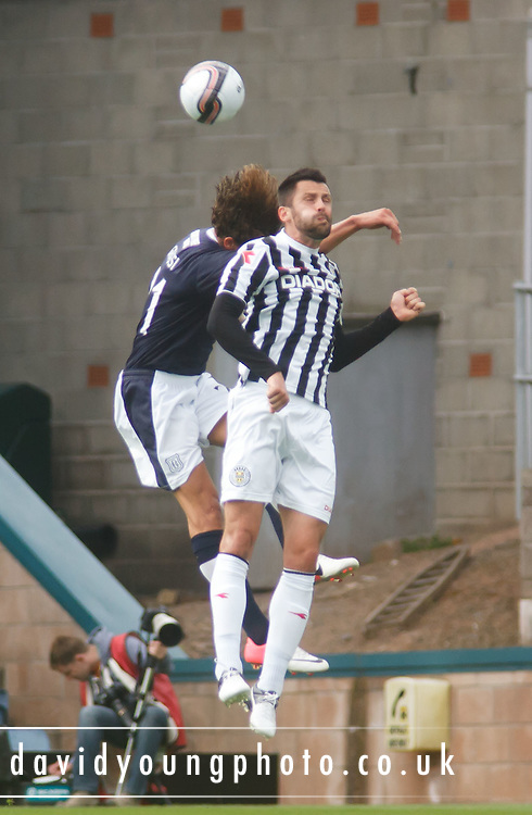 St Mirren's Steven Thompson and Dundee's Davide Grassi - Dundee v St Mirren, Clydesdale Bank Scottish Premier League at Rugby Park.. - © David Young - 5 Foundry Place - Monifieth - DD5 4BB - Telephone 07765 252616 - email: davidyoungphoto@gmail.com - web: www.davidyoungphoto.co.uk