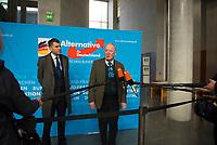 DEU, Deutschland, Germany, Berlin, 16.01.2018: Der Vorsitzende der AfD-Bundestagsfraktion, Alexander Gauland (MdB, Alternative für Deutschland, AfD), bei einem Pressestatement vor Beginn der Fraktionssitzung der AfD-Fraktion im Deutschen Bundestag. Links AfD-Pressesprecher Christian Lüth.