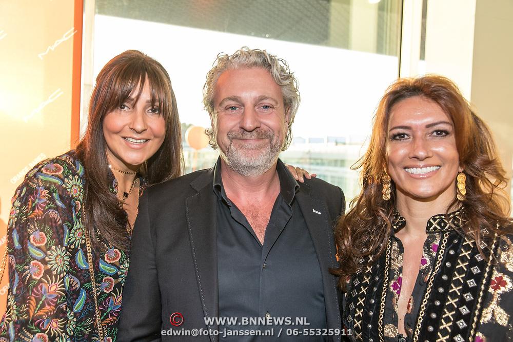 NLD/Amsterdam/20170930 - Orange Babies Gala 2017, Karin de Rooij en Felicity Gullit en Mark Teurlings