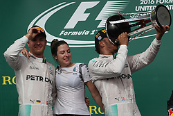 Formel 1: Grosser Preis der USA in Austin, Renntag / 231016<br /> <br /> ***1st place Lewis Hamilton (GBR) Mercedes AMG F1 W07  and 2nd place Nico Rosberg (GER) Mercedes AMG Petronas F1 W07.<br /> 23.10.2016. Formula 1 World Championship, Rd 18, United States Grand Prix, Austin, Texas, USA, Race Day.<br /> ***