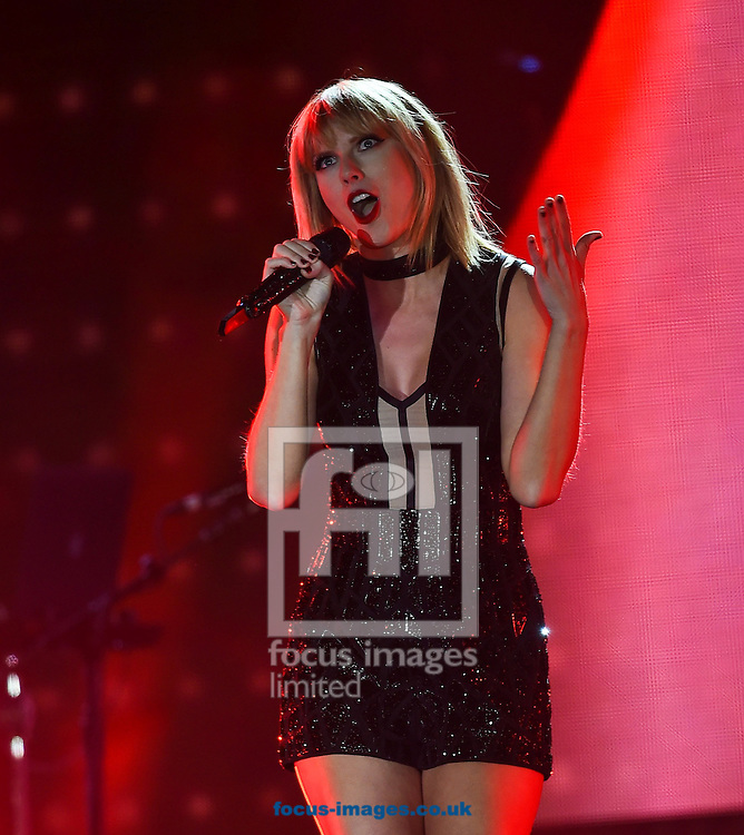 Taylor Swift live in concert during the US Formula One Grand Prix meeting at the Circuit of the Americas, Austin, Texas, USA.<br /> Picture by EXPA Pictures/Focus Images Ltd 07814482222<br /> 22/10/2016<br /> *** UK &amp; IRELAND ONLY ***<br /> <br /> EXPA-EIB-161024-0067.jpg