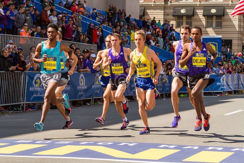 Boston Marathon: BAA 5K road race, Invitational Mens Mile, start