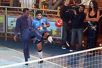 Fotball<br /> Foto: Dppi/Digitalsport<br /> NORWAY ONLY<br /> <br /> BUENOS AIRES (ARG) - 15/08/2005 <br /> <br /> DIEGO MARADONA (ARG) WELCOMED PELE (BRA) IN HIS TV PROGRAM