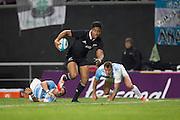 27.09.2014. Julian Savea on his way to scoring a try. Test Match Argentina vs All Blacks during the Rugby Championship at Estadio Único de la Plata, La Plata, Argentina.