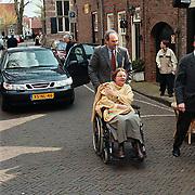 Matthaus Passion 2000 Naarden, Job Cohen met ijn vrouw Lydie in een rolstoel