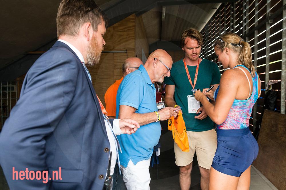 Nederland, Hengelo 11juni2017 FBK Games Dafne Schippers signeert Fotografie: Cees Elzenga - hetoog.nl
