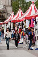la aldea de los cuentos festival in plaza espana madrid