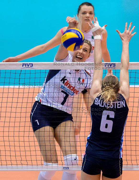 20-05-2016 JAP: OKT Italie - Nederland, Tokio<br /> De Nederlandse volleybalsters hebben een klinkende 3-0 overwinning geboekt op Italië, dat bij het OKT in Japan nog ongeslagen was. Het met veel zelfvertrouwen spelende Oranje zegevierde met 25-21, 25-21 en 25-14 / Martina Guiggi #7 of Italie
