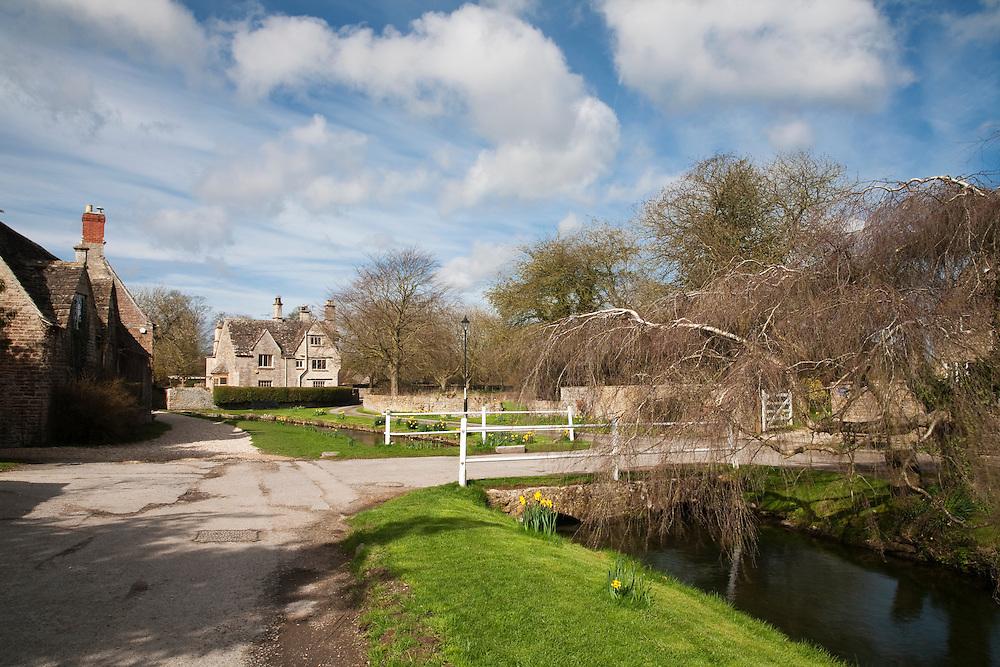 Spring along the Thames Path at Church Walk in Ashton Keynes, Wiltshire, Uk