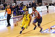 DESCRIZIONE : Ancona Lega A 2012-13 Sutor Montegranaro Angelico Biella<br /> GIOCATORE : Ronald Steele<br /> CATEGORIA : palleggio penetrazione<br /> SQUADRA : Sutor Montegranaro<br /> EVENTO : Campionato Lega A 2012-2013 <br /> GARA : Sutor Montegranaro Angelico Biella<br /> DATA : 02/12/2012<br /> SPORT : Pallacanestro <br /> AUTORE : Agenzia Ciamillo-Castoria/C.De Massis<br /> Galleria : Lega Basket A 2012-2013  <br /> Fotonotizia : Ancona Lega A 2012-13 Sutor Montegranaro Angelico Biella<br /> Predefinita :