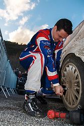 17.01.2014, Reifen Service, Sisteron, FRA, FIA, WRC, Monte Carlo, 2. Tag, im Bild BOUFFIER Bryan ( M Sport Ltd (GBR) / Ford Fiesta RS ) wechselt die Reifen an seinem Fahrzeug during day two of FIA Rallye Monte Carlo held near Monte Carlo, France on 2014/01/17. EXPA Pictures © 2014, PhotoCredit: EXPA/ Eibner-Pressefoto/ Neis<br /> <br /> *****ATTENTION - OUT of GER*****