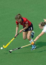 07-05-2006 HOCKEY: KAMPONG - LAREN: UTRECHT<br /> De vrouwen van hockeyvereniging Kampong hebben vanmiddag met 3 - 5 verloren van Laren / Paulien Eigenhuis<br /> ©2006-WWW.FOTOHOOGENDOORN.NL