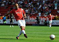 Charlton Athletic FC vs Brentford FC League 1 05/09/09<br /> Photo Nicky Hayes Fotosports International<br /> Deon Burton scores Charlton's 1st goal.