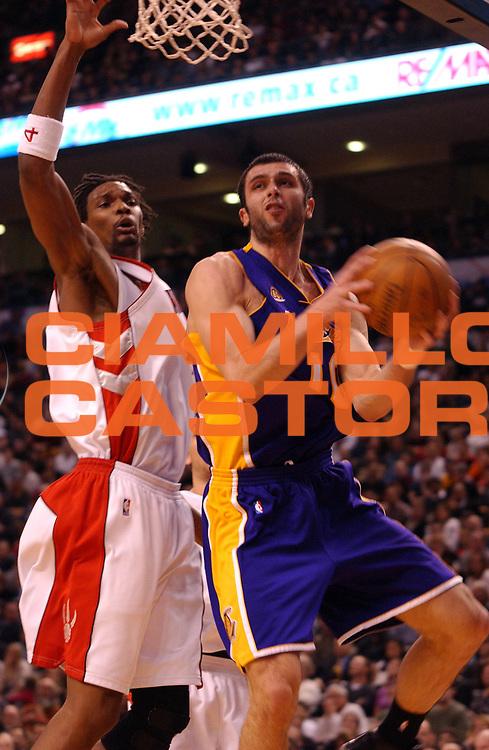 DESCRIZIONE : Toronto Campionato NBA 2007-2008 Toronto Raptors Los Angeles Lakers<br /> GIOCATORE : Valdimir Radmanovic<br /> SQUADRA : Toronto Raptors Los Angeles Lakers<br /> EVENTO : Campionato NBA 2007-2008 <br /> GARA : Toronto Raptors Los Angeles Lakers<br /> DATA : 01/02/2008 <br /> CATEGORIA : rimbalzo<br /> SPORT : Pallacanestro <br /> AUTORE : Agenzia Ciamillo-Castoria/V.Keslassy<br /> Galleria : NBA 2007-2008 <br /> Fotonotizia : Toronto Campionato NBA 2007-2008 Toronto Raptors Los Angeles Lakers<br /> Predefinita :