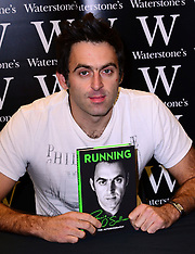 OCT 11 2013 Ronnie O'Sullivan book signing