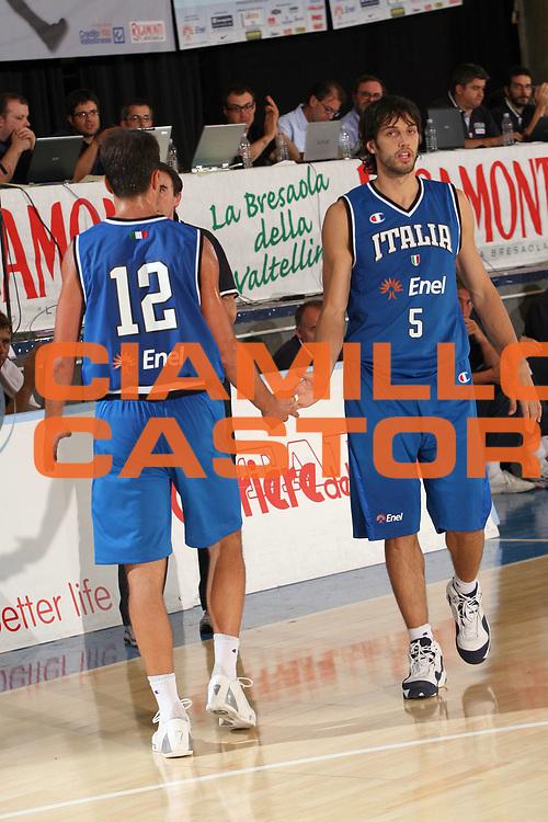 DESCRIZIONE : Bormio Torneo Internazionale Gianatti Italia Australia <br /> GIOCATORE : Basile Gianluca Bulleri Massimo<br /> SQUADRA : Nazionale Italiana Uomini <br /> EVENTO : Bormio Torneo Internazionale Gianatti <br /> GARA : Italia Australia <br /> DATA : 03/08/2007 <br /> CATEGORIA : Ritratto<br /> SPORT : Pallacanestro <br /> AUTORE : Agenzia Ciamillo-Castoria/G.Landonio<br /> Galleria : Fip Nazionali 2007 <br /> Fotonotizia : Bormio Torneo Internazionale Gianatti Italia Australia <br /> Predefinita :