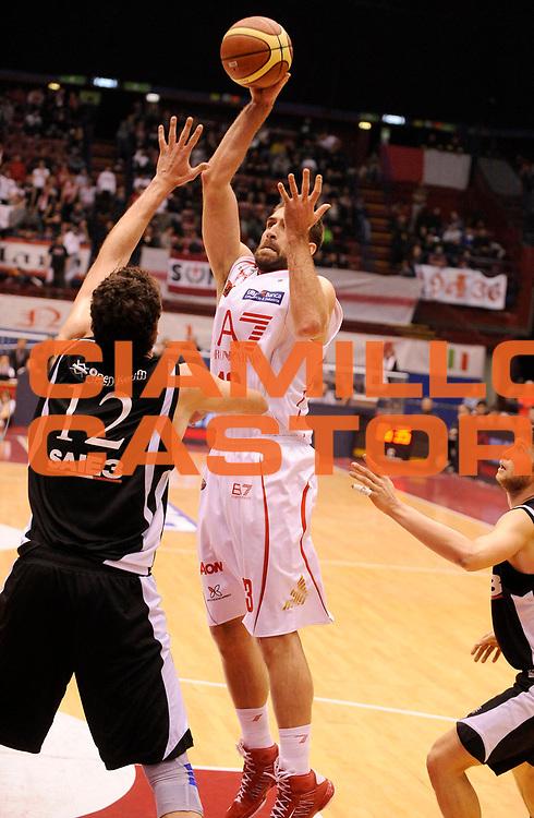 DESCRIZIONE : Milano Lega A 2012-13 EA7 Olimpia Armani Milano Saie3 Bologna<br /> GIOCATORE : David Chiotti<br /> SQUADRA : EA7 Olimpia Armani Milano <br /> EVENTO : Campionato Lega A 2012-2013<br /> GARA :  EA7 Olimpia Armani Milano Saie3 Bologna<br /> DATA : 27/01/2013<br /> CATEGORIA : Tiro<br /> SPORT : Pallacanestro<br /> AUTORE : Agenzia Ciamillo-Castoria/A.Giberti<br /> Galleria : Lega Basket A 2012-2013<br /> Fotonotizia : Milano Lega A 2012-13 EA7 Olimpia Armani Milano Saie3 Bologna<br /> Predefinita :