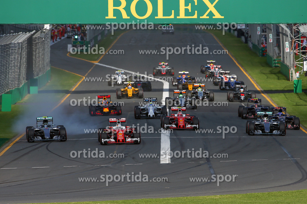 20.03.2016, Albert Park Circuit, Melbourne, AUS, FIA, Formel 1, Grand Prix von Australien, Rennen, im Bild Sebastian Vettel (GER) Ferrari SF16-H and Nico Rosberg (GER) Mercedes-Benz F1 W07 Hybrid at the start of the race // during Race for the FIA Formula One Grand Prix of Australia at the Albert Park Circuit in Melbourne, Australia on 2016/03/20. EXPA Pictures &copy; 2016, PhotoCredit: EXPA/ Sutton Images/ Khoo/<br /> <br /> *****ATTENTION - for AUT, SLO, CRO, SRB, BIH, MAZ only*****
