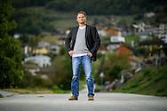 Daniel D&eacute;fago, pr&eacute;sident de Vex, pose devant le village de Vex<br /> 11 octobre 2016. (PHOTO-GENIC.CH/ OLIVIER MAIRE)
