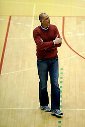27-02-2009 VOLLEYBAL: NESSELANDE - PIET ZOOMERS D: ROTTERDAM<br /> Piet Zoomers wint met 3-2 van Nesselande / Coach Ron Zwerver<br /> ©2009-WWW.FOTOHOOGENDOORN.NL