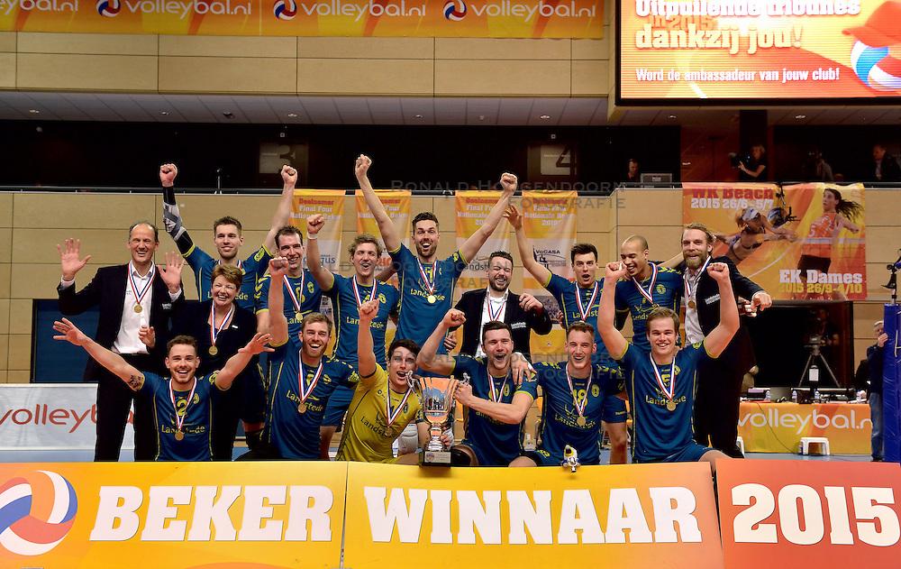 22-02-2015 NED: Bekerfinale Abiant Lycurgus - Landstede Volleybal, Zwolle<br /> Landstede Volleybal pakt de beker na een 3-1 overwinning