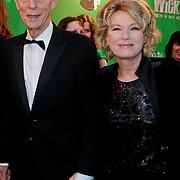 NLD/Scheveningen/20111106 - Premiere musical Wicked, Martine Bijl en partner Berend Bouwdewijn