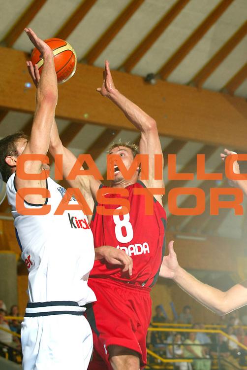 DESCRIZIONE : Bormio Trofeo Internazionale Diego Gianatti Canada Italia <br />GIOCATORE : English <br />SQUADRA : Canada <br />EVENTO : Bormio Trofeo Internazionale Diego Gianatti Canada Italia <br />GARA : Canada Italia<br />DATA : 21/07/2006 <br />CATEGORIA : Tiro   <br />SPORT : Pallacanestro <br />AUTORE : Agenzia Ciamillo-Castoria/M.Marchi<br />Galleria : FIP Nazionale Italiana <br />Fotonotizia : Bormio Trofeo Internazionale Diego Gianatti Canada Italia