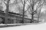 France. Paris. 5th district.  left bank, Quai de la Tournelle and Seine river, Paris under the snow / Paris sous la neige en hiver