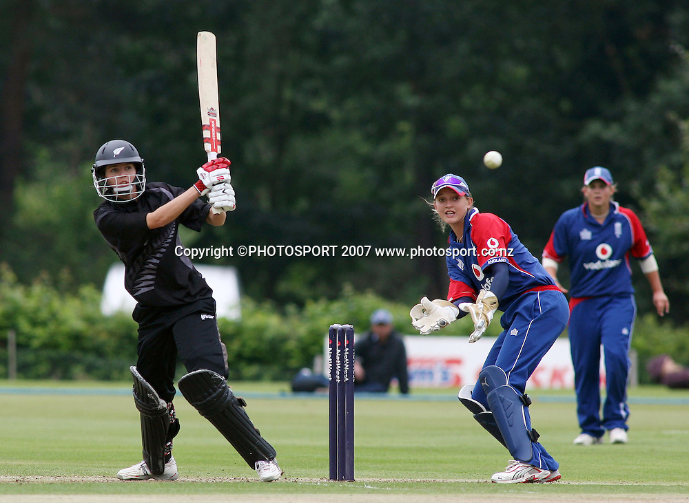 Ros Kember of New Zealand batting, who top scored with 64, Sarah Taylor fo England keeping wicket. England v New Zealand 5th One Day International, Womens Cricket, Shenley Cricket Club, England, 30/08/2007. Photo by Matt Impey  ** NO AGENTS **