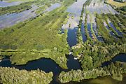 Nederland, Noord-Holland, Ankeveen, 17-06-2008; Ankeveensche Plassen, gezien vanuit Nederhorst den Berg, pal West, naar Ankeveen; plassengebied is ontstaan door vervening (afgraven van veen, na drogen te gebruiken als de brandstof turf); kavels, verkaveling, water, waterrijk, plas, meer..luchtfoto (toeslag); aerial photo (additional fee required); .foto Siebe Swart / photo Siebe Swart.
