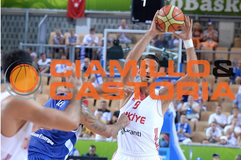 DESCRIZIONE : Capodistria Koper Slovenia Eurobasket Men 2013 Preliminary Round Turchia Finlandia Turkey Finland<br /> GIOCATORE : Semih Erden<br /> CATEGORIA : Passaggio<br /> SQUADRA : Turchia<br /> EVENTO : Eurobasket Men 2013<br /> GARA : Turchia Finlandia Turkey Finland<br /> DATA : 04/09/2013 <br /> SPORT : Pallacanestro&nbsp;<br /> AUTORE : Agenzia Ciamillo-Castoria/Max.Ceretti<br /> Galleria : Eurobasket Men 2013 <br /> Fotonotizia : Capodistria Koper Slovenia Eurobasket Men 2013 Preliminary Round Turchia Finlandia Turkey Finland<br /> Predefinita :