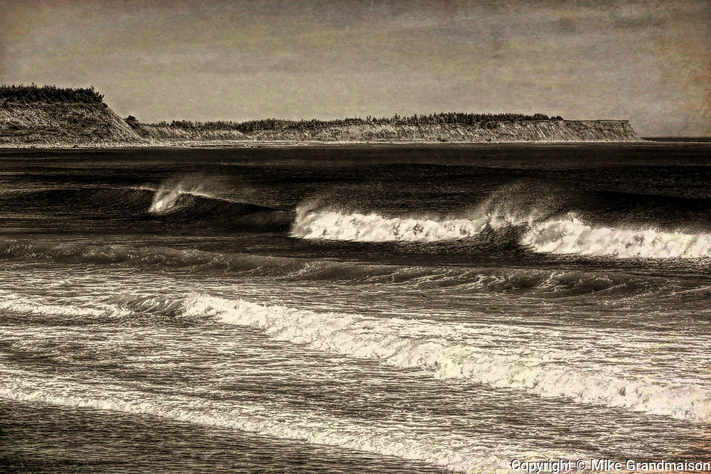 Waves and surf on the Atlantic Ocean