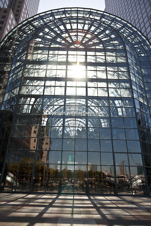 New York. the world financial center . the atrium and winter garden of   Lighting- United States  / le jardin d hiver atrium du le world financial center ,   New York - Etats Unis