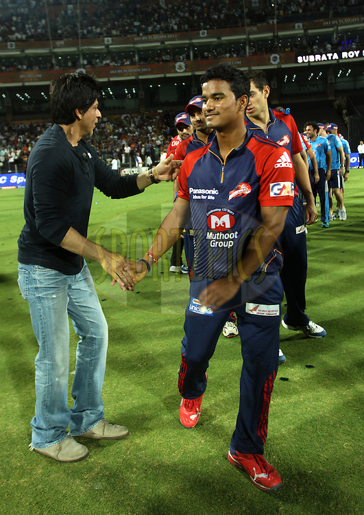 Kolkatta Knight Riders and actor Shahrukh Khan shake hands with Delhi Daredevils players after first Qualifying match of the Indian Premier League ( IPL) 2012  between The Delhi Daredevils and The Kolkata Knight Riders held at the Subrata Roy Sahara Stadium, Pune on the 22nd May 2012..Photo by Sandeep Shetty/IPL/SPORTZPICS