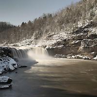 January 31, 2010 - Corbin, Kentucky, USA. Cumberland Falls in the snow near Corbin. (Credit Image: © David Stephenson/ZUMA Press)