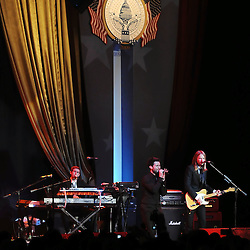 Maroon 5 performs at the Home State's Ball in Washington DC as President Barack Obama and the first lady Michelle Obama sit off camera.