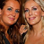 NLD/Tilburg/20101010 - Inloop musical Legally Blonde, Marion Keller en Mandy Huydts