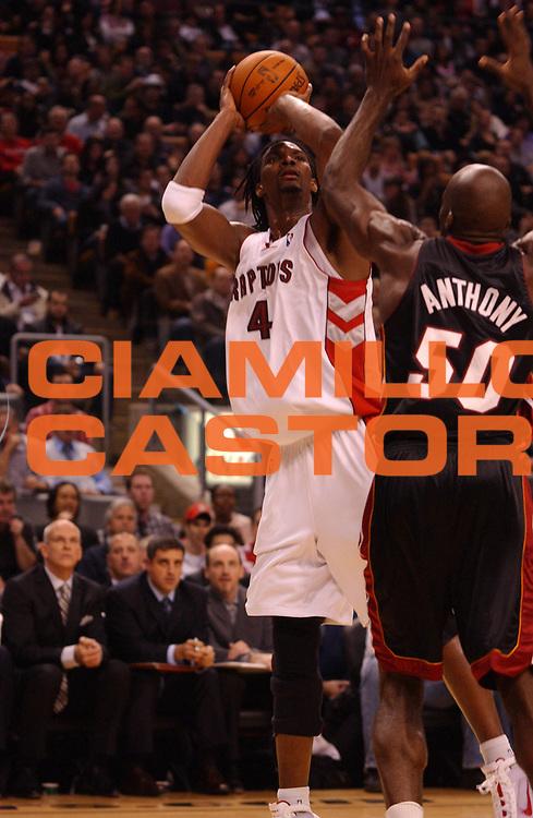DESCRIZIONE : Toronto NBA 2009-2010 Toronto Raptors Miami Heat<br /> GIOCATORE : Chris Bosh<br /> SQUADRA : Toronto Raptors<br /> EVENTO : Campionato NBA 2009-2010 <br /> GARA : Toronto Raptors Miami Heat<br /> DATA : 20/11/2009<br /> CATEGORIA :<br /> SPORT : Pallacanestro <br /> AUTORE : Agenzia Ciamillo-Castoria/V.Keslassy<br /> Galleria : NBA 2009-2010<br /> Fotonotizia : Toronto NBA 2009-2010 Toronto Raptors Miami Heat<br /> Predefinita :
