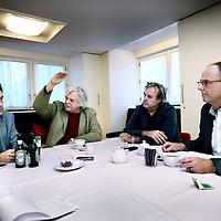 Nederland, Amsterdam , 2 november 2012.<br /> Rondetafelgesprek mediajournalisten in Lloyd Hotel.<br /> v.l.n.r. Jean Pierre Geelen (48)3,5 jaar recensent Volkskrant<br /> Hans Beerekamp (60) sinds 2003 NRC<br /> Mark Moorman (52) Al twintig jaar in Lips-carousel<br /> Willem Pekelder (53) Bijna 3 jaar Trouw<br /> <br /> Foto:Jean-Pierre Jans