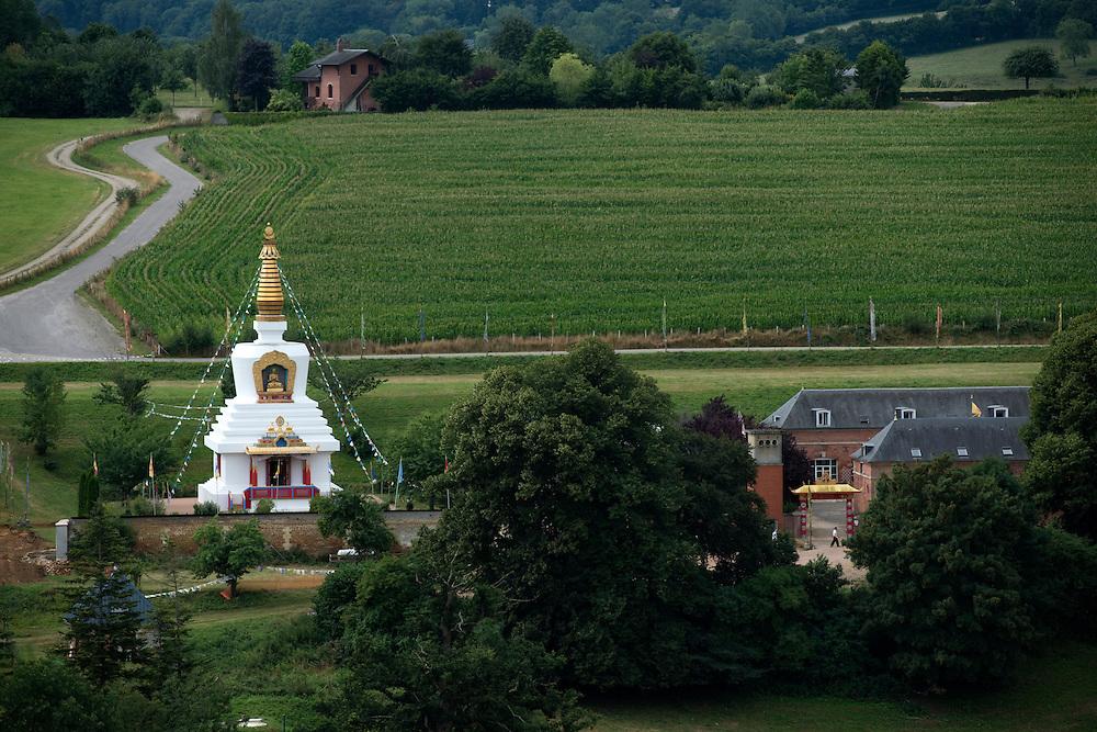 Le stupa du Centre Bouddiste de Vajradhara-Ling.<br /> Aubry-le-Panthou, France. 02/08/2013.