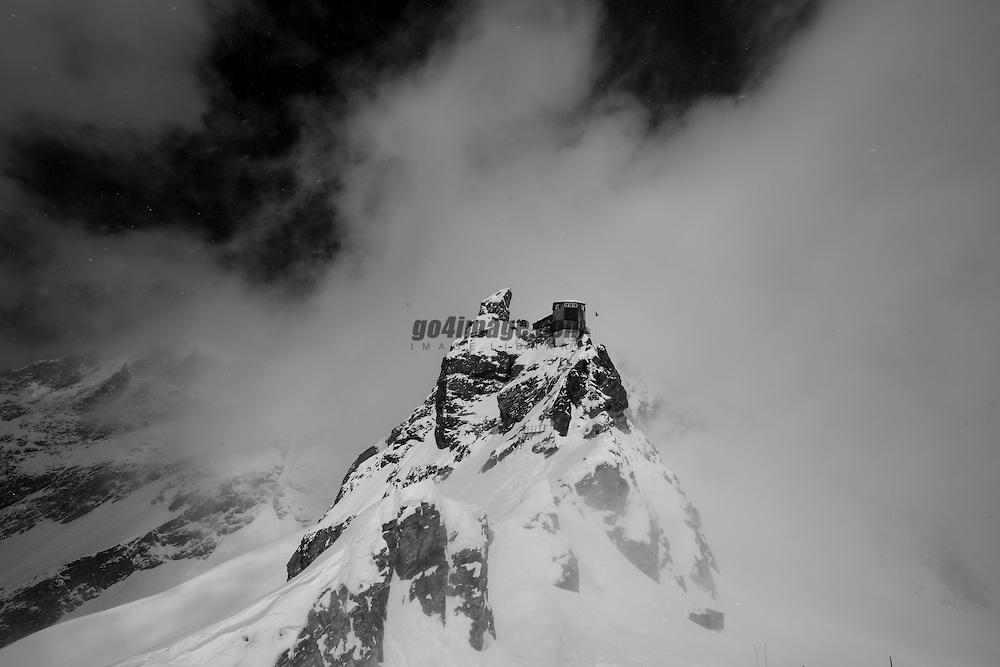 Patrouille des Glacier 2012, 19 April 2012<br /> Arolla, Cabane de Bertol, s&uuml;dlich des Aiguille de la Tsa auf 3311m, Region, Europe, Switzerland, Arolla, Cabane de Bertol