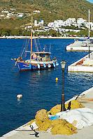 Grece, les Cyclades, ile de Amorgos, port de Katapola // Greece, Cyclades islands, Amorgos, Katapola city and port