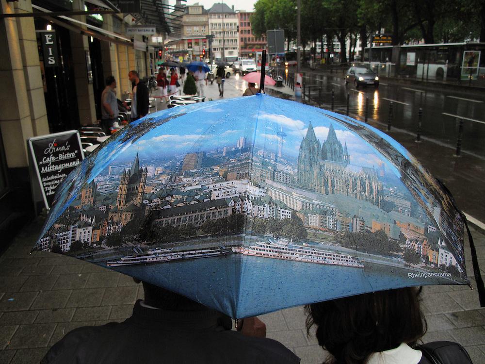 Koeln Stadtansicht Deutschland Schirm Regenschirm Wetter Regen Schirm Koelner Dom Umbrella Parasol..From the series 'Umbrellas' © Stefan Falke.